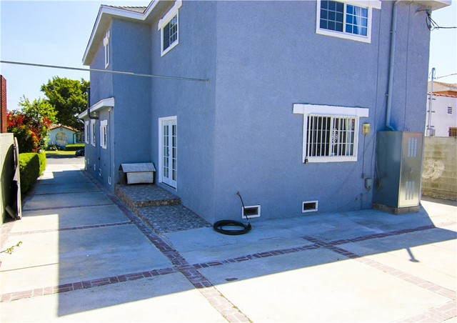 4055 W 59th Pl, Los Angeles, CA 90043 photo 14