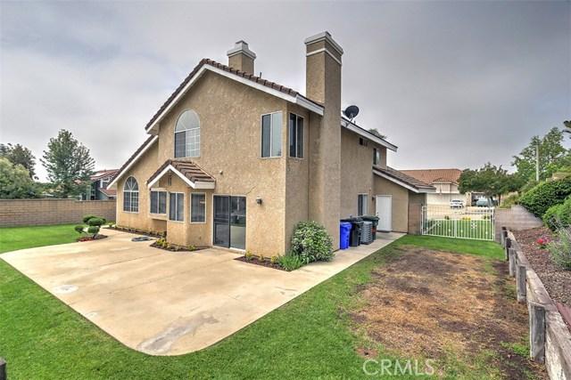 1952 Birkdale Avenue, Upland CA: http://media.crmls.org/medias/9184c19f-330b-48d8-b4e7-9f67c243db05.jpg
