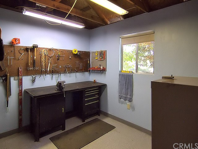 862 Seneca Drive, Paradise CA: http://media.crmls.org/medias/9186f0d4-3c64-464d-82a5-929b3e4e5576.jpg