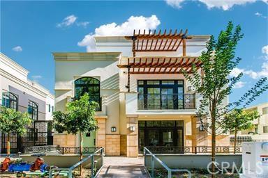Condominium for Rent at 288 S Oakland Pasadena, California 91107 United States