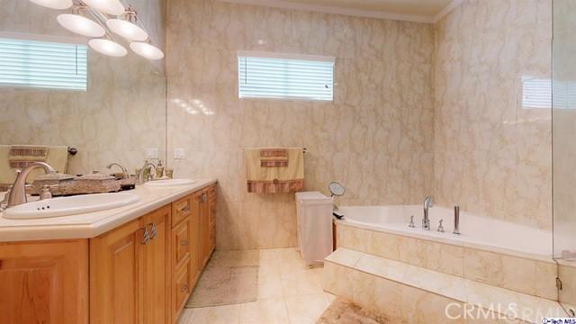 13102 Welby Way, Valley Glen CA: http://media.crmls.org/medias/9192ac6e-3e9f-41c7-86fe-e3fcc25b8805.jpg
