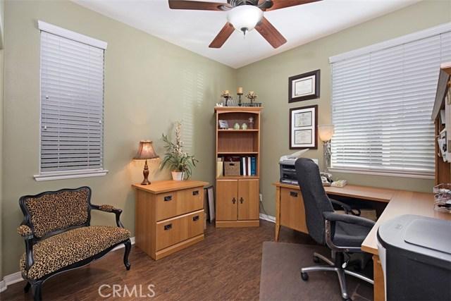27594 Fern Pine Way, Murrieta CA: http://media.crmls.org/medias/91c4a3f4-c72c-4b1b-a647-5051443f8079.jpg