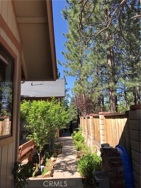 39900 LAKEVIEW Drive, Big Bear CA: http://media.crmls.org/medias/91cad94b-f74f-4ca0-a749-a8a39bded695.jpg
