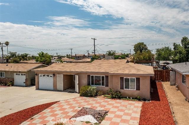 6728 Fillmore Avenue, Rialto CA: http://media.crmls.org/medias/91cb83e8-d3a6-47fc-b572-d425d26b2f05.jpg