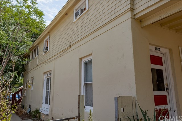 1025 S Victoria Avenue, Corona CA: http://media.crmls.org/medias/91d44f3e-2de4-492b-9911-6c8cedcb6da4.jpg