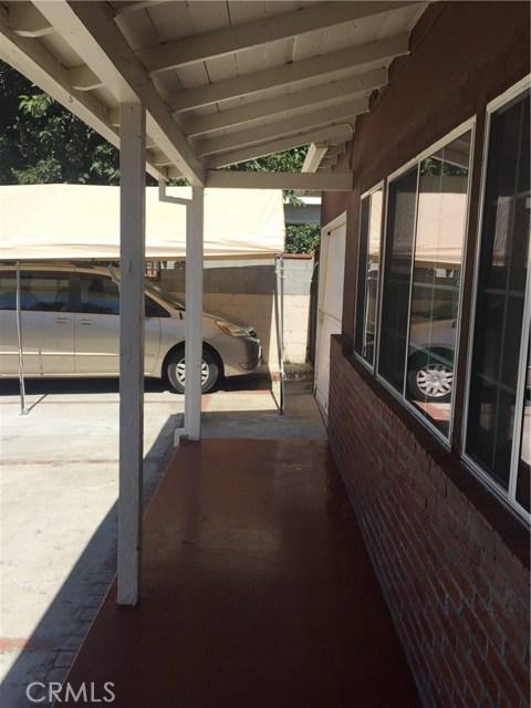 7854 Ben Avenue, North Hollywood CA: http://media.crmls.org/medias/91f14c54-e5dd-4a77-a83a-fd41896fba50.jpg