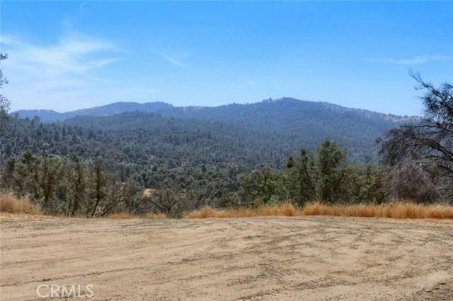 2374 Green Hills Road, Mariposa CA: http://media.crmls.org/medias/91f9bfae-41e3-4f3d-a55a-19902d8518c2.jpg