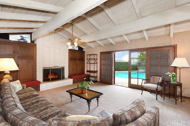 Single Family Home for Sale at 18612 Medford Avenue North Tustin, California 92705 United States