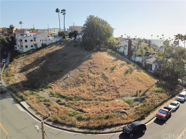 1631 Calle Las Bolas, San Clemente CA: http://media.crmls.org/medias/920f36f0-d71b-4486-b19d-3e6b20488471.jpg