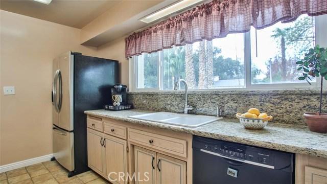5352 Tower Road, Riverside CA: http://media.crmls.org/medias/921d3a04-129f-450a-9044-eabb60982a6c.jpg