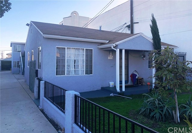4384 136th, Hawthorne, California 90250, ,Residential Income,For Sale,136th,SB19030623