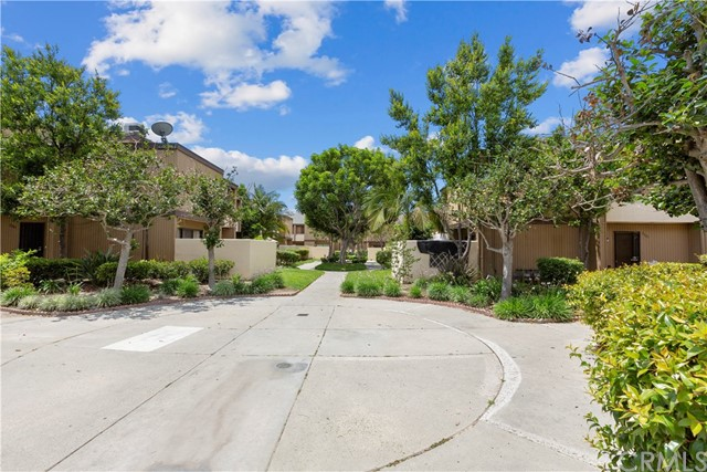 1381 S Walnut St, Anaheim, CA 92802 Photo 2