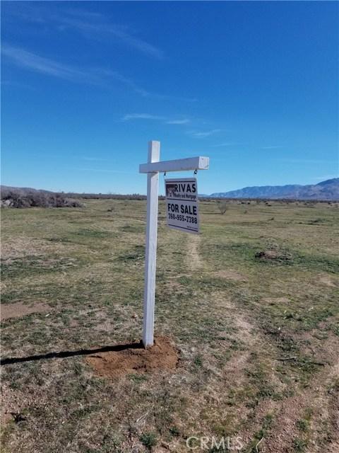 27330 Cielito Drive, Apple Valley CA: http://media.crmls.org/medias/92559be4-d4b6-454b-9a30-00e4195daf95.jpg