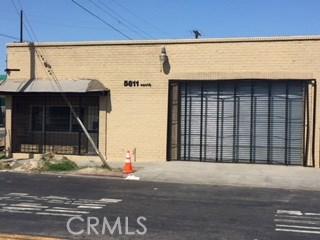 5811 S Denker Avenue, Los Angeles CA: http://media.crmls.org/medias/92619ac3-8638-4967-82e7-43027e1c34db.jpg