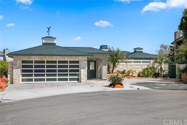 Single Family Home for Sale at 204 Evening Star Lane Newport Beach, California 92660 United States
