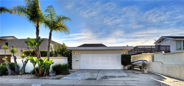 16571 Ensign Circle, Huntington Beach, CA 92649