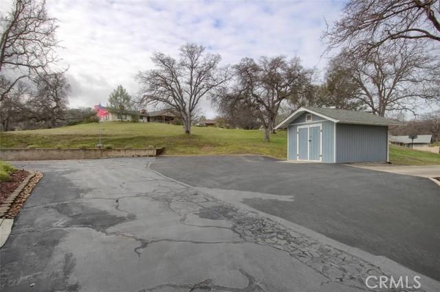 41930 Starlight Drive, Coarsegold CA: http://media.crmls.org/medias/9283f121-e7e5-4176-8730-12485616221e.jpg