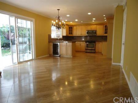 21442 Brandy Wine Lane, Lake Forest CA: http://media.crmls.org/medias/929179da-a2c7-4963-9432-94d09e983c92.jpg