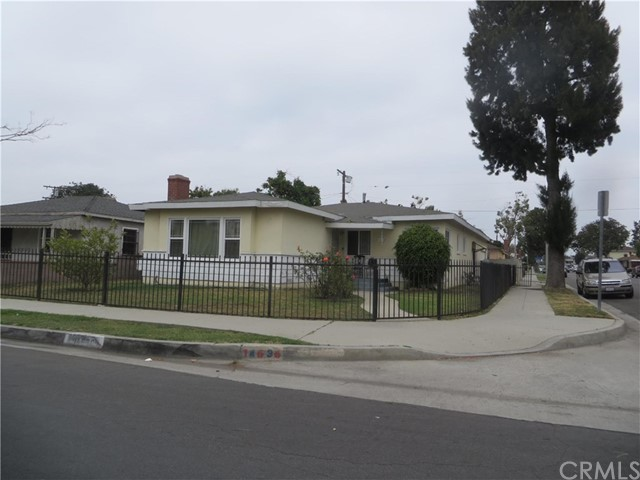 14636 S Castlegate Avenue Compton, CA 90221 is listed for sale as MLS Listing PW16732381
