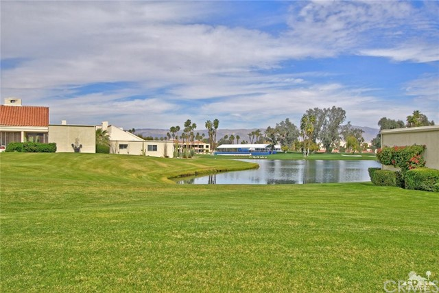 34868 Mission Hills Drive, Rancho Mirage CA: http://media.crmls.org/medias/92a8db19-8c0e-4861-b8ef-786ec0f363df.jpg