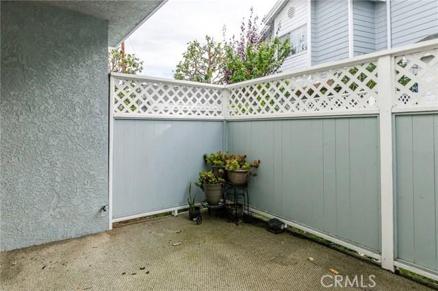 105 N Broadway, Redondo Beach CA: http://media.crmls.org/medias/92b7ab0f-6622-44b8-ab67-31140cb61c67.jpg