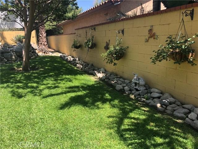 5537 Deer Creek Lane, Rancho Cucamonga CA: http://media.crmls.org/medias/92d17c56-71a5-4777-83c8-9ba73516ad8c.jpg