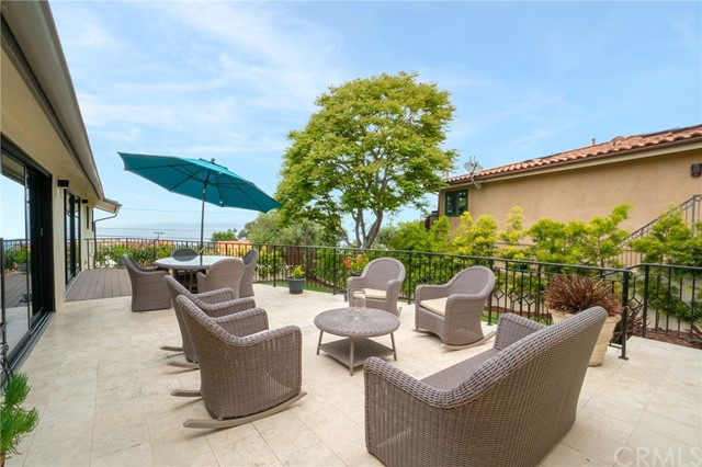 2221 Via La Brea, Palos Verdes Estates CA: http://media.crmls.org/medias/92d9f1ab-8e35-4431-a229-5d26fc02b1b1.jpg