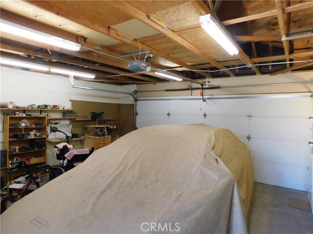 14379 La Habra Road, Victorville CA: http://media.crmls.org/medias/92e0d1a3-e8d2-4fcc-8036-20124ff1f71e.jpg