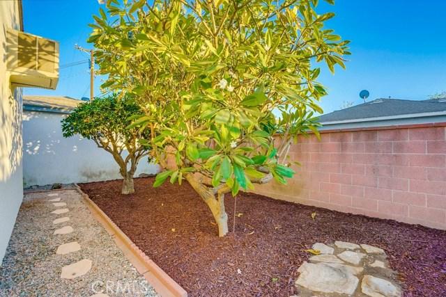 10412 Hopland Street, Bellflower CA: http://media.crmls.org/medias/92e6cc96-06b6-43f3-8e2d-edddbc5d4b08.jpg