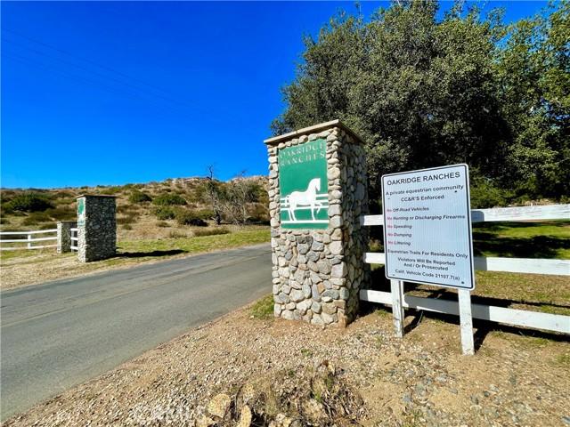 33800 Black Mountain Road, Temecula CA: http://media.crmls.org/medias/92ec0972-b346-42d3-8059-bec8ce2ad854.jpg