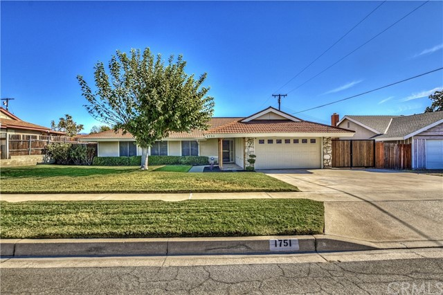 Detail Gallery Image 1 of 1 For 1751 N Date Ave, Rialto, CA 92376 - 4 Beds | 2 Baths