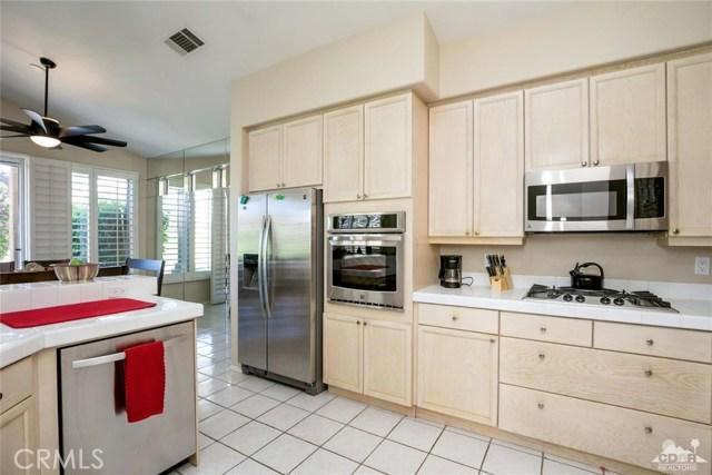 42661 Turqueries Avenue, Palm Desert CA: http://media.crmls.org/medias/931b6ced-6677-489d-afc0-119025649433.jpg