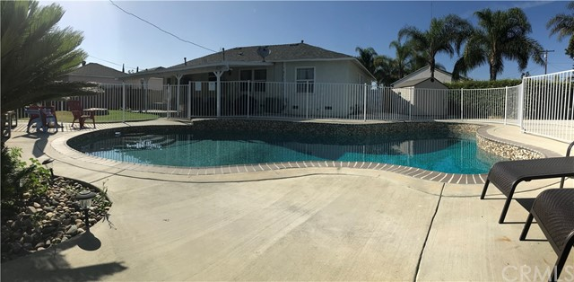 12222 Quatro Avenue, Garden Grove CA: http://media.crmls.org/medias/93397e8c-e2c4-4671-a266-c48bbf9776fb.jpg