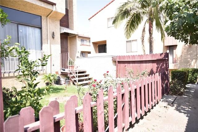 230 N Sierra Vista Street, Monterey Park CA: http://media.crmls.org/medias/933bd50a-9f07-4936-9990-b05f583fe532.jpg