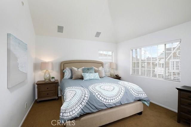 201 Agate Avenue, Newport Beach CA: http://media.crmls.org/medias/933ca90d-4486-4404-bfdc-a7a991a236cf.jpg