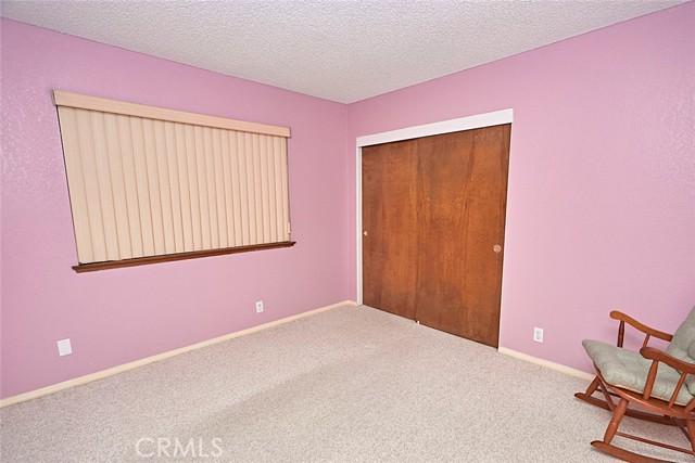 13330 Palos Grande Drive, Victorville CA: http://media.crmls.org/medias/9347adf5-864f-4dc0-a230-a9a589a4a3a5.jpg