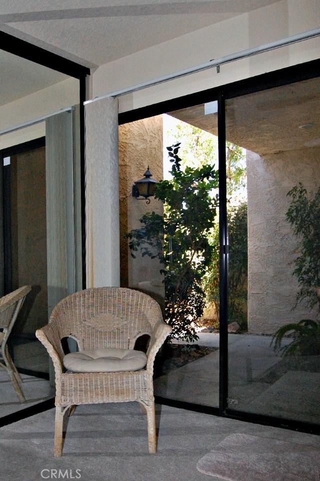 753 Violeta Drive, Palm Springs CA: http://media.crmls.org/medias/934e56aa-3fab-47b7-8127-a69ca18a4b63.jpg