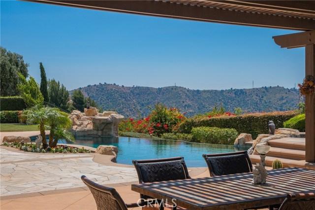 16762 Catena Drive, Chino Hills CA: http://media.crmls.org/medias/934f0311-f913-41fe-924a-24d4808794c5.jpg