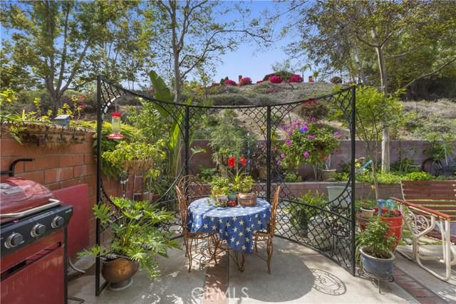 5821 Sunset Ranch Drive, Riverside CA: http://media.crmls.org/medias/93548027-71f1-48d8-ba25-15f421c3f39b.jpg