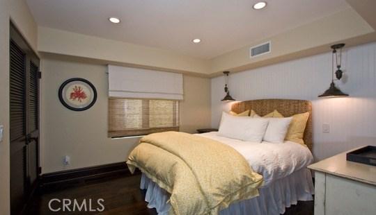 1711 E Bay Avenue, Newport Beach CA: http://media.crmls.org/medias/93612512-7a11-49f0-9cb0-e004c19e60fe.jpg