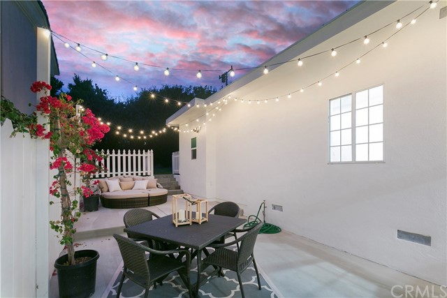 Additional photo for property listing at 3513 Oak Avenue 3513 Oak Avenue Manhattan Beach, California,90266 Estados Unidos