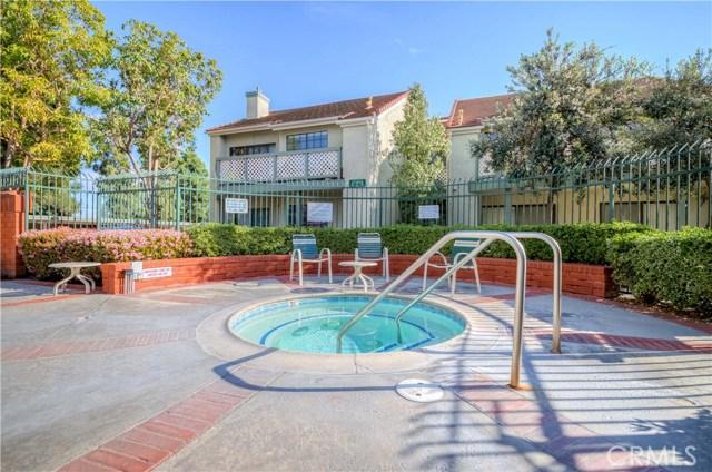 3503 W Greentree Circle, Anaheim CA: http://media.crmls.org/medias/9372cdd4-7414-47f3-b9a3-5f08ddb458e2.jpg