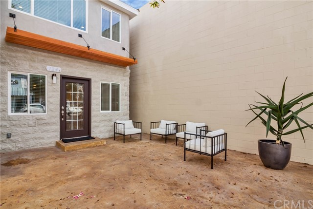 124 Agate Avenue, Newport Beach CA: http://media.crmls.org/medias/93736be7-992b-4639-8905-20476a8435df.jpg