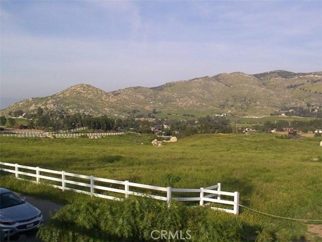 9229 Box Springs Mountain Road, Moreno Valley CA: http://media.crmls.org/medias/93806ed6-41d5-4df2-b03e-367a4cfaf5e1.jpg