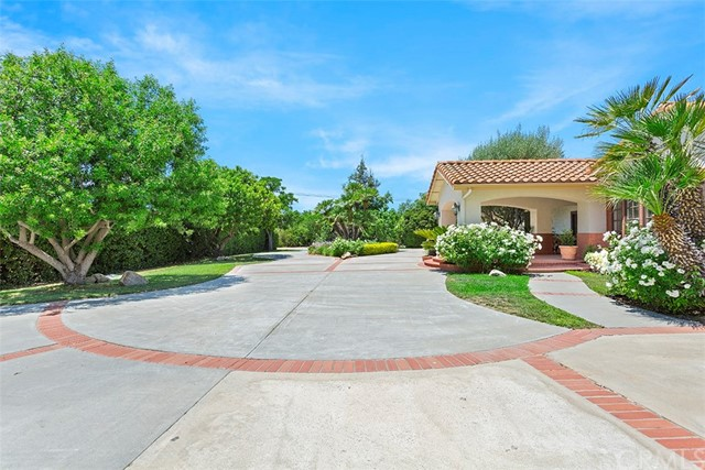 30260 Ynez Road, Temecula CA: http://media.crmls.org/medias/9383b653-6863-4348-9c27-0d29ba3ee249.jpg