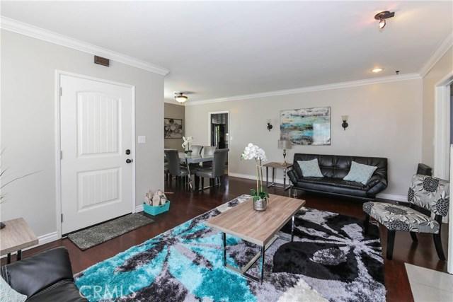 425 W Knepp Avenue, Fullerton CA: http://media.crmls.org/medias/938422fa-be0c-49dc-abf9-9742942ec427.jpg