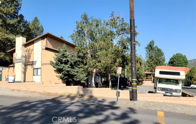 1111 Apple Avenue, Wrightwood CA: http://media.crmls.org/medias/93897fa6-438c-424a-bf3a-1621d4e7aeca.jpg