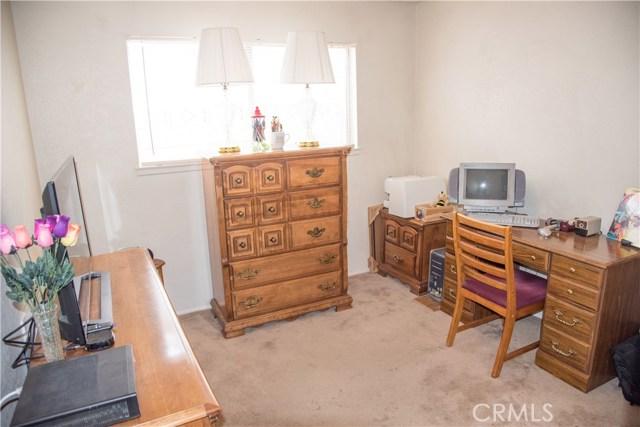 9400 Columbine, Montclair CA: http://media.crmls.org/medias/938e356c-a45b-49a9-a894-c3b95d7a098b.jpg