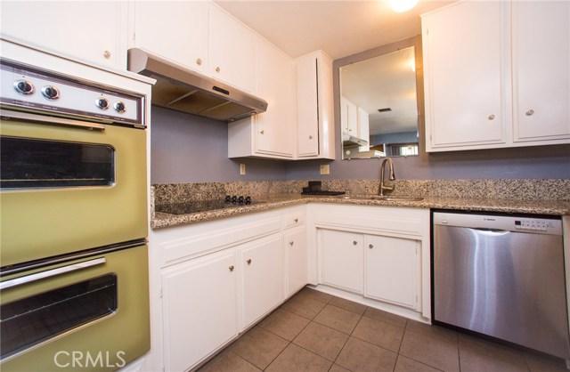 3695 Linden Avenue, Long Beach CA: http://media.crmls.org/medias/939808a1-b4a5-4336-b5af-732c0c213f61.jpg