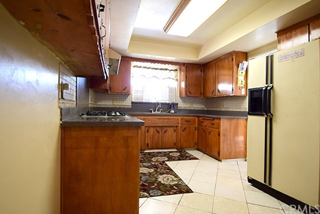 17585 Vine Street, Fontana CA: http://media.crmls.org/medias/9398a6a3-14f3-48d9-91ba-0e015ee97ed4.jpg